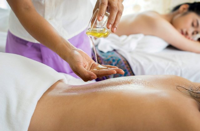 Медовий масаж