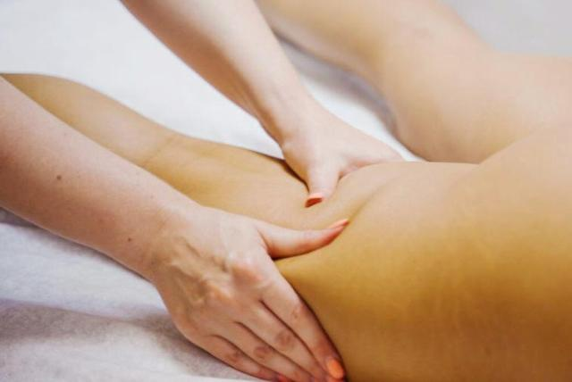 Антицеллюлитный массаж для похудения