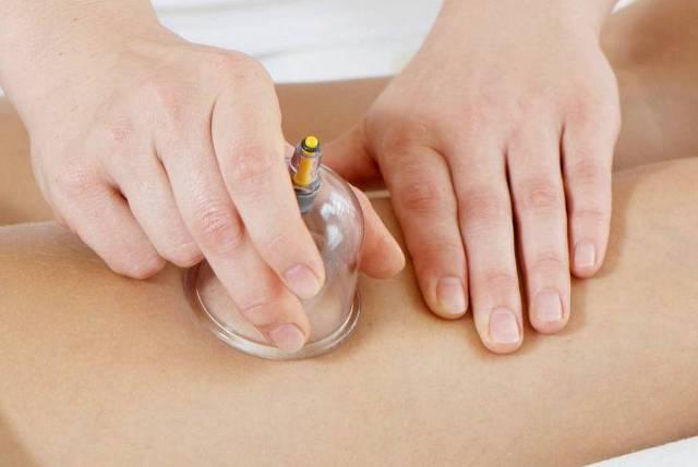 Вакуумный массаж на животе