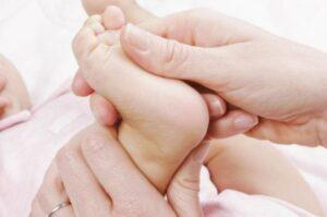 массаж для ног ребенку свалява Закарпатье заказать цена в сваляве vfccf; lkz yju ht,tyre