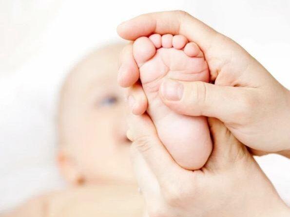 Ребенок ходит на носочках массаж